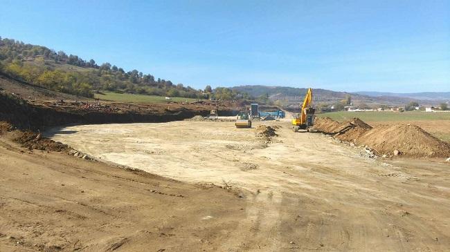 Напредва строителството на лот 3.1 на АМ Струма