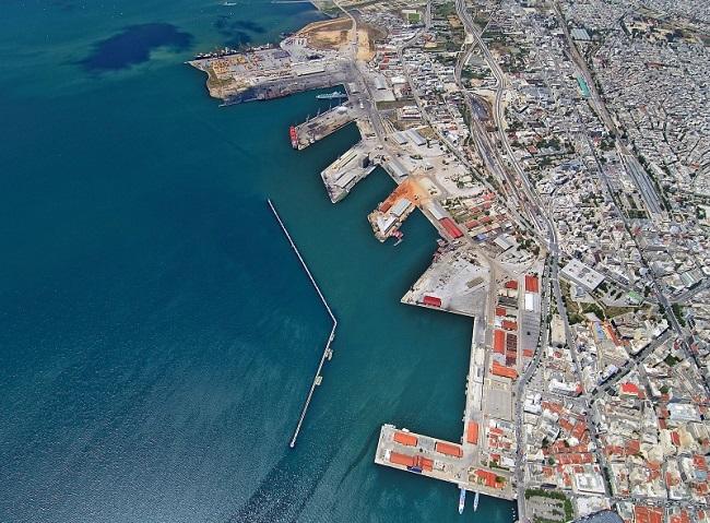 Подписан е договорът за продажба на пристанище Солун