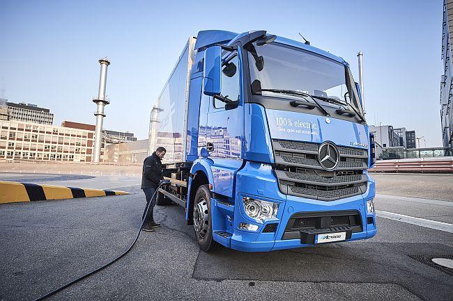 Електрически Mercedes-Benz eActros (видео)