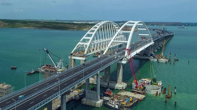 Мостът между Крим и Русия променя пътя на доставките