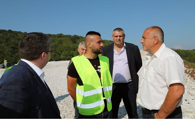 Магистралната отсечка Ябланица - Боаза е готова на 30%