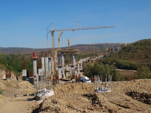 Подписаха договор за още 1,4 км от АМ Струма