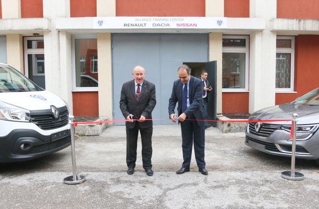 Рено Нисан България откри нов обучителен център
