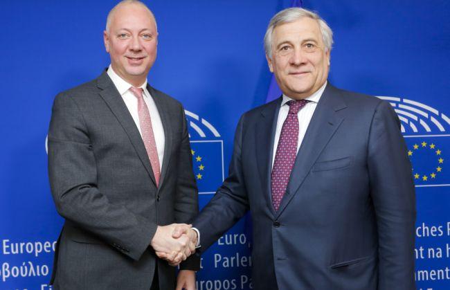 Желязков и Таяни обсъдиха следващите стъпки по пакет Мобилност I