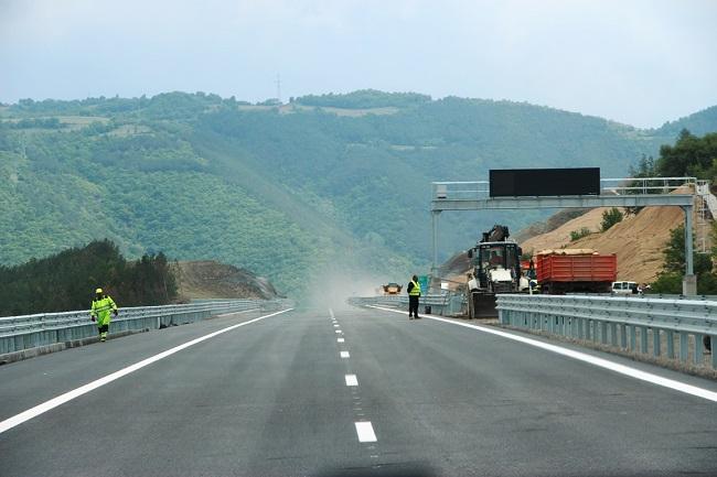Приключва изграждането на 6,5 км участък от АМ Струма след Благоевград