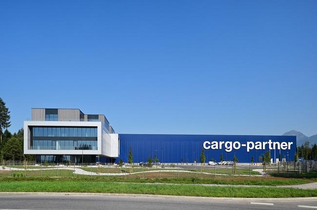 Логистичният хъб на cargo-partner в Словения отваря врати