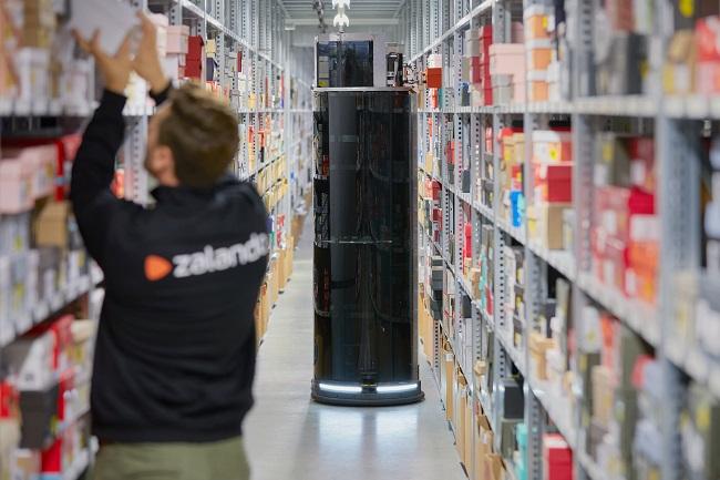 Пикиращи роботи помагат на онлайн търговец