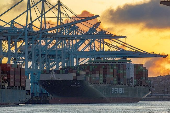Пристанище Лос Анджелис - високи обеми на висока скорост