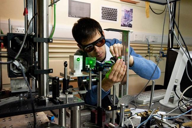 С квантови алгоритми ще се изчисляват логистични проблеми