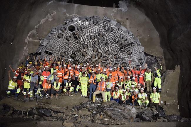 Прокопаха 33 км жп тунел в Австрия