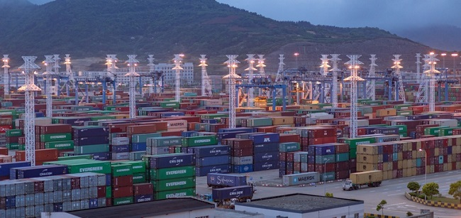 Производителите и ритейлърите диверсифицират веригите си на доставки