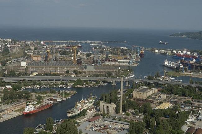 Разрешиха удълбочаването на пристанище Варна