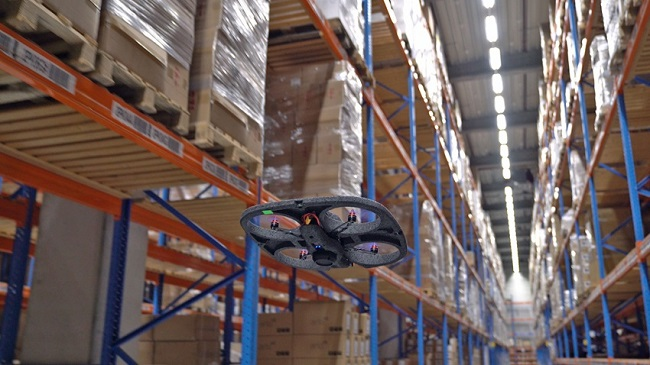 Дрон сканира баркодове в складовете на DSV Panalpina