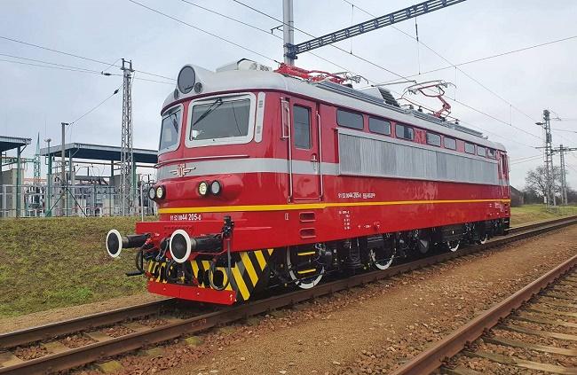 БДЖ пуснаха първият изцяло обновен локомотив