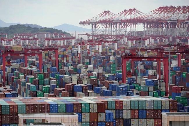 Австралия се задръсти с празни контейнери