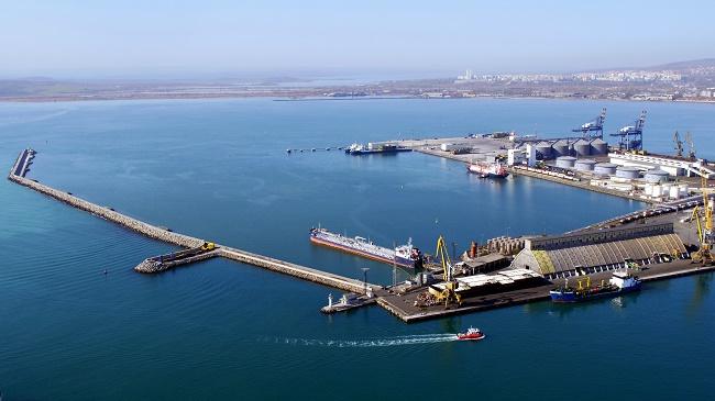 Захранват корабите с електроенергия от брега