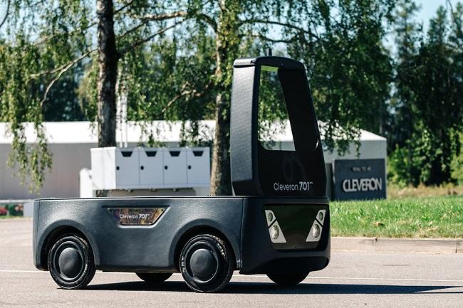 Полуавтономен робот за доставки до последната миля тръгва по естонските улици