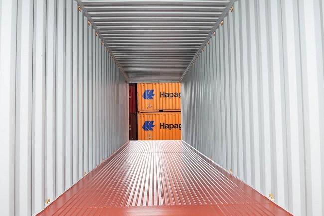 Надпреварата за контейнери продължава