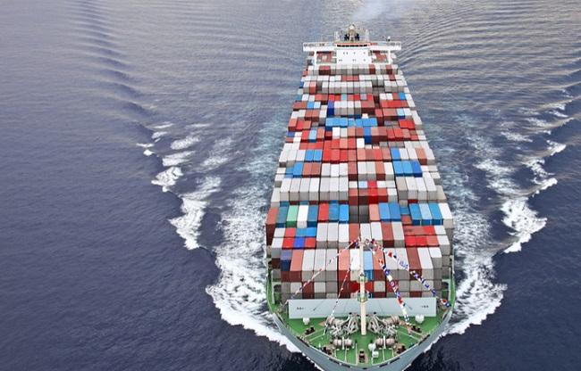 Спедитор: Контейнерните превозвачи манипулират пазара