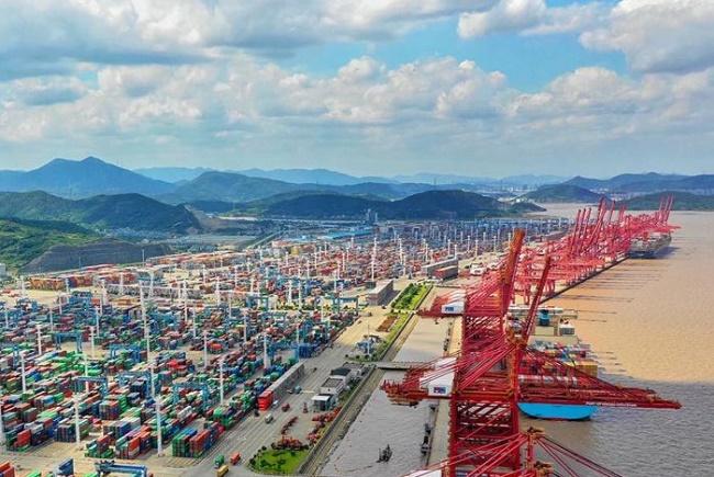 Отвориха пристанището в Нингбо
