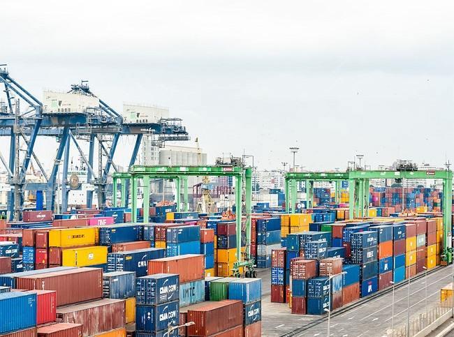 Спад в търговията със стоки