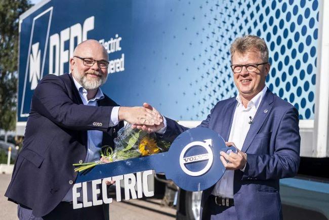 Volvo Trucks с рекордна поръчка за електрически камиони