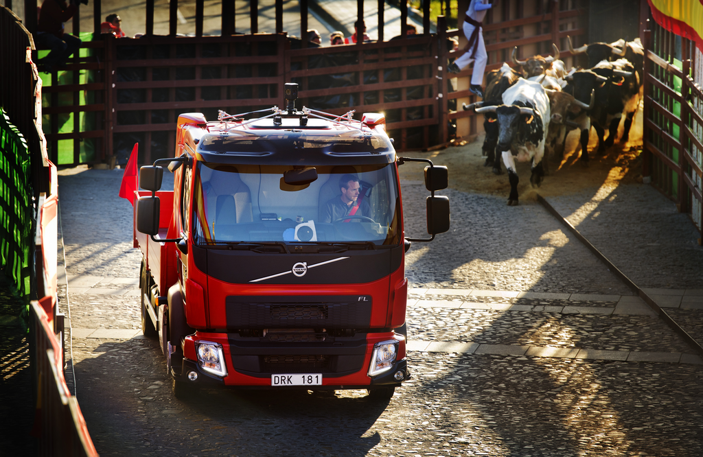 Volvo FL в надпревара с бикове